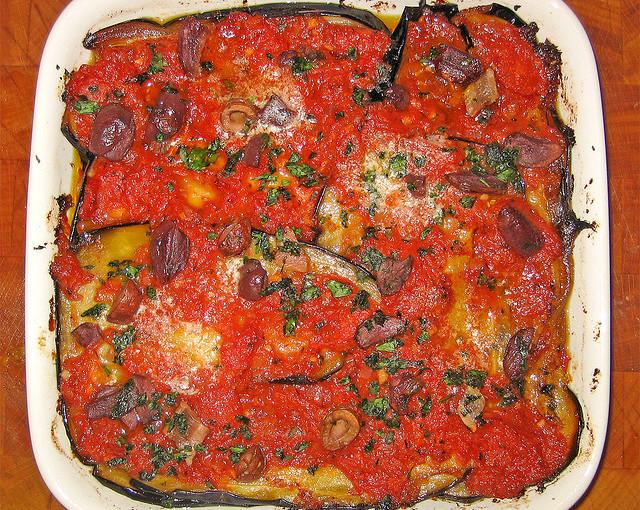 Włoska kuchnia oraz krajowe mięso sezonowane